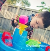 Sand- and water-table fun (200x200) copy
